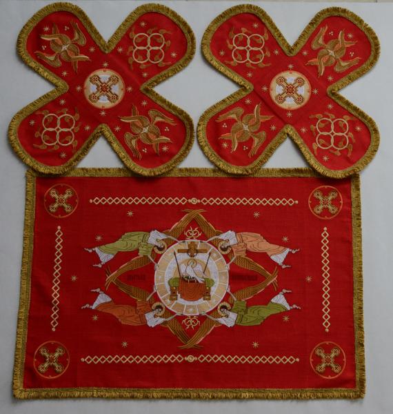 Воздух и покровцы вышивка «Престол уготованный». Лен цвет красный