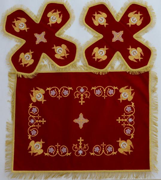 Воздух и покровцы вышивка «Херувимы». Бархат цвет красный