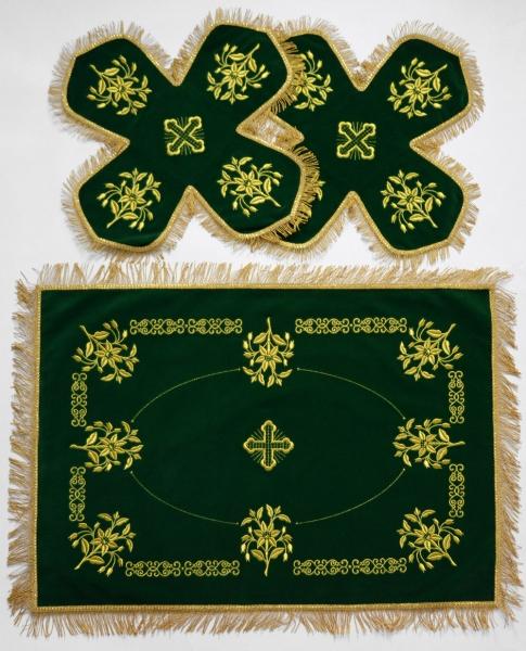 Воздух и покровцы вышивка «Ландыши». Бархат цвет зеленый