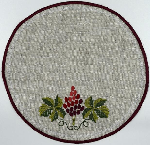 Салфетка круглая вышивка «Виноград». Размер 22 х 22 см. Лен, шелковые нити