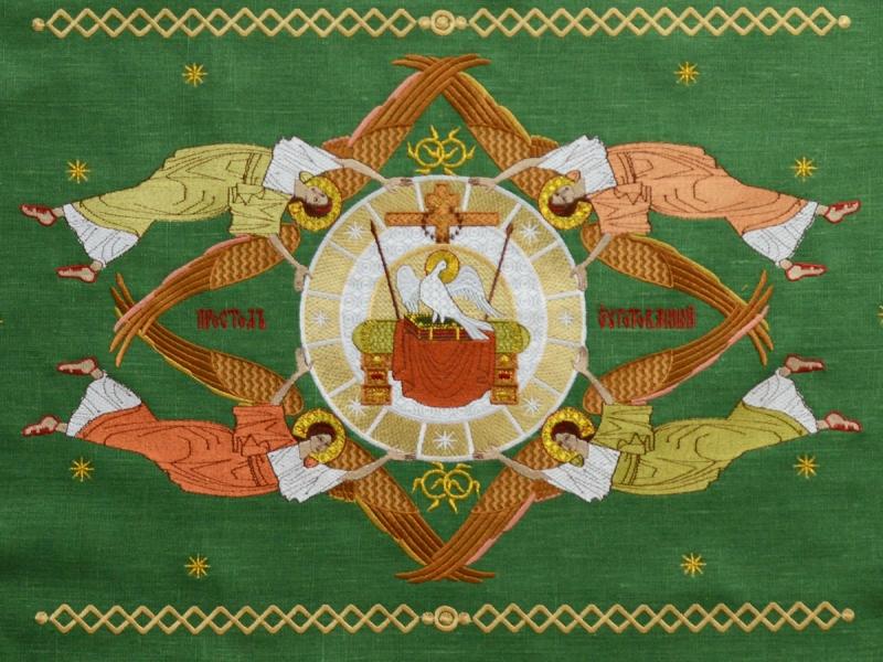 Воздух и покровцы вышивка «Престол уготованный». Лен цвет зеленый