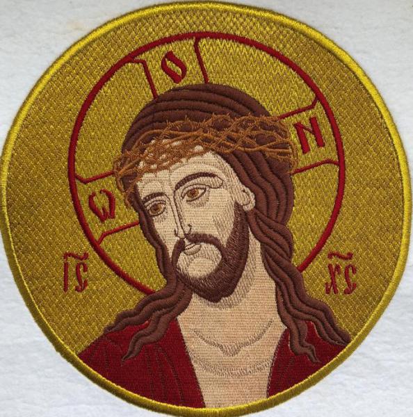 Христос в терновом венце, икона вышитая круглая