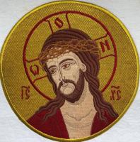 Христос в терновом венце, икона вышитая круглая. Размер 18 х 18 см.