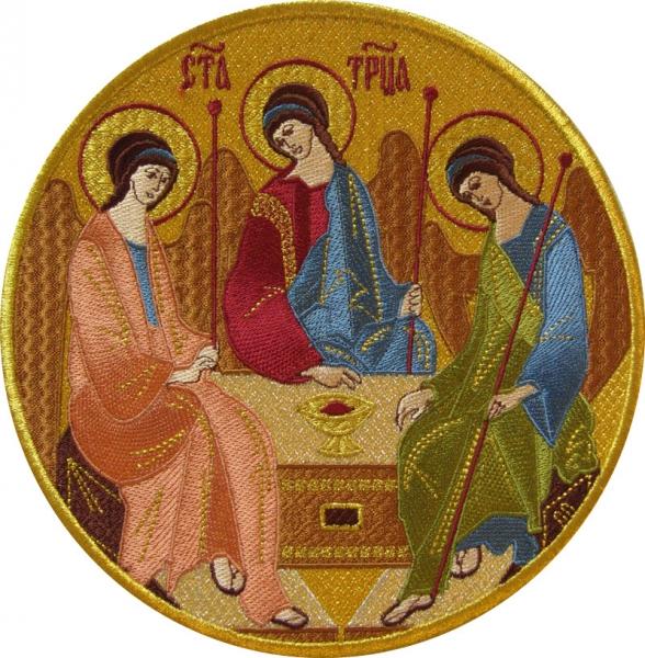 Святая Троица, икона вышитая круглая